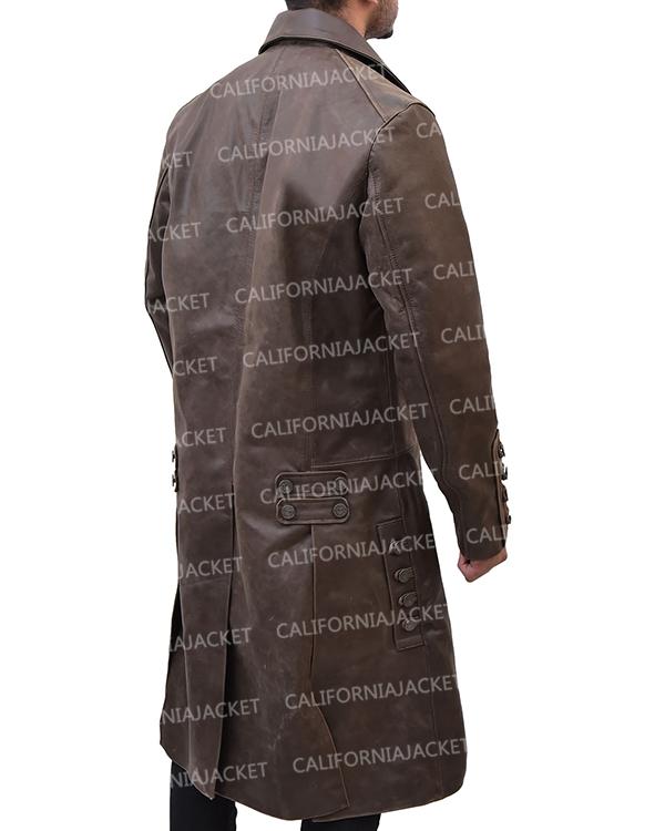 outlander-jamie-frasers-brown-coat