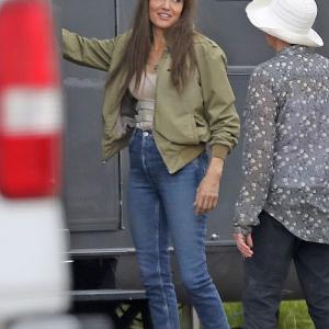 Those-Who-Wish-Me-Dead-Angelina-Jolie-Green-Jacket