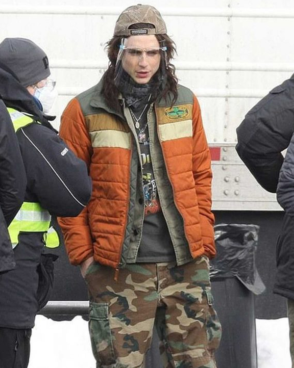 dont-look-up-quentin-puffer-orange-jacket