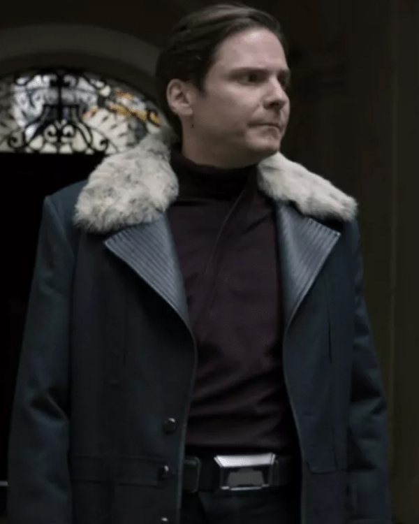the-falcon-and-the-winter-soldier-zemo-black-coat